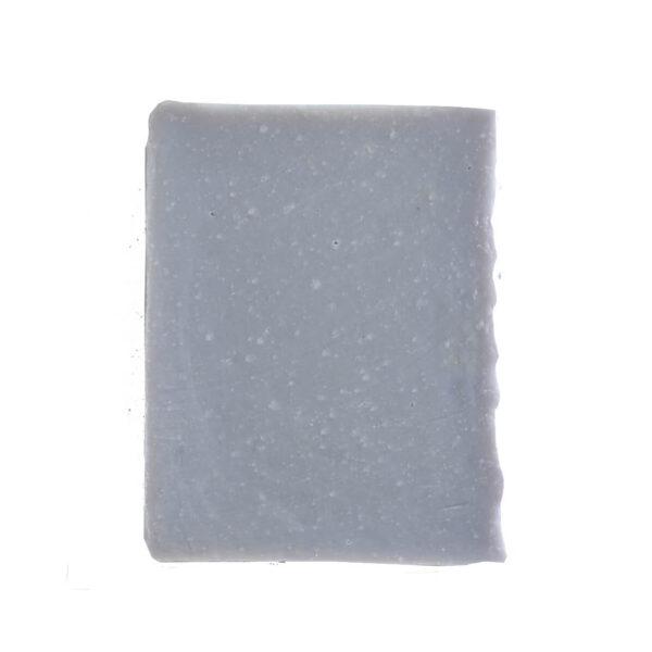 sabonete de alfazema em fundo branco
