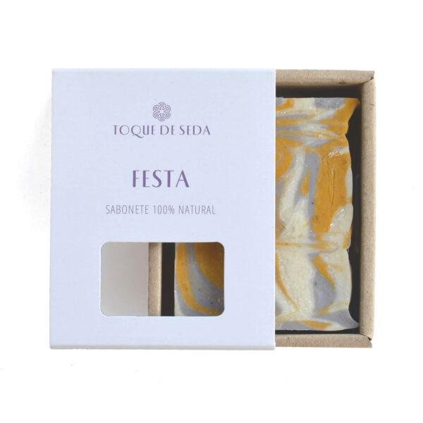 sabonete com óleo essencial de alfazema em caixa de cartão