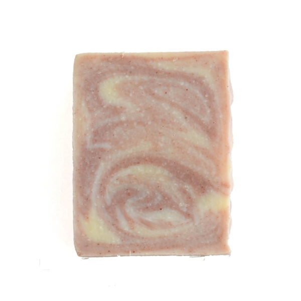 sabonete de jasmim e argila rosa em fundo branco